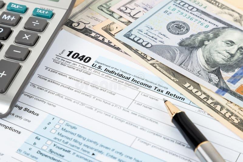 Forma individual por el IRS, concepto de la declaración sobre la renta para los impuestos imagen de archivo libre de regalías
