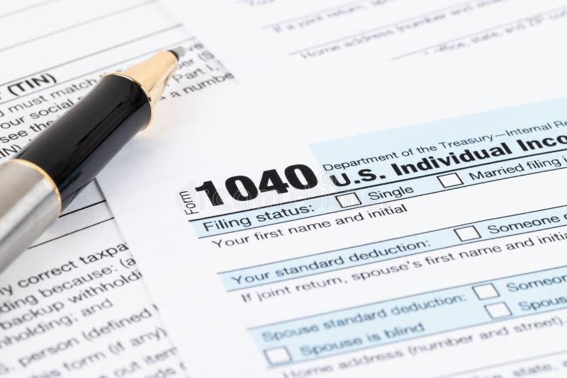 Forma individual por el IRS, concepto de la declaración sobre la renta para los impuestos fotografía de archivo