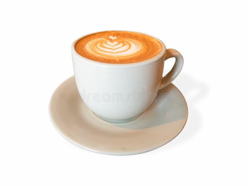 Forma quente do coração da arte do latte do café, xícara de café bonita isolada no branco Com espaço da cópia fotografia de stock royalty free