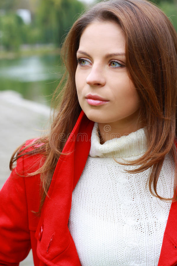 Forma 'sexy' da mulher do outono bonito imagens de stock royalty free