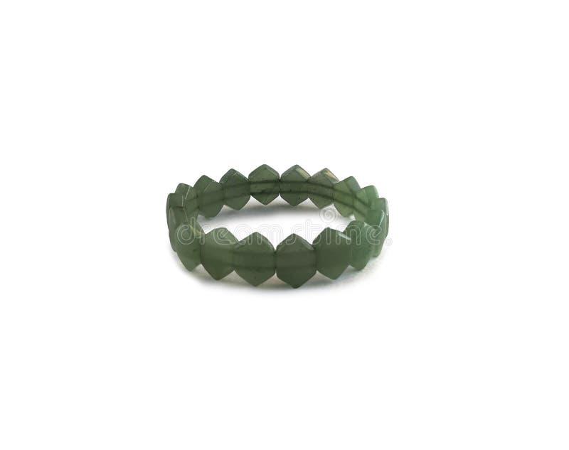 Forma verde do bracelete dos grânulos do diamante no branco fotografia de stock royalty free