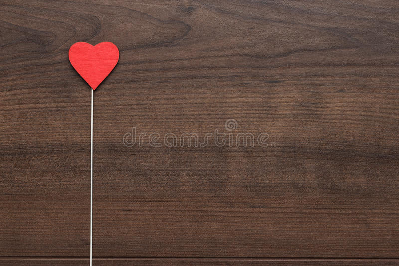 Forma vermelha do coração na vara fotos de stock
