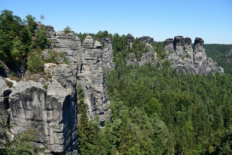Formación de roca de Bastai Suiza sajona en tiempo de verano, Alemania fotografía de archivo libre de regalías