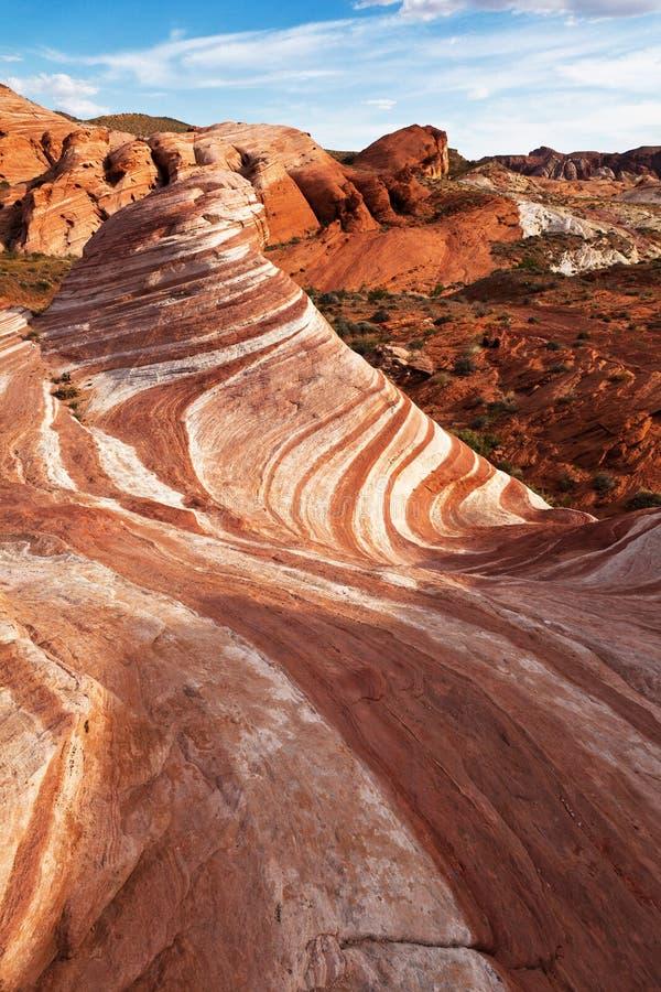Formación de roca de la piedra arenisca en desierto de Mojave fotografía de archivo