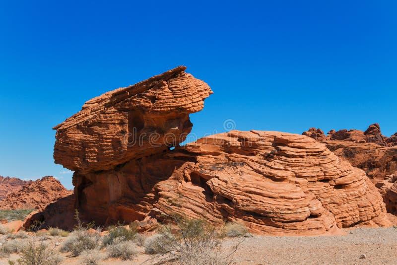 Formación de roca en desierto de Nevada del sur fotos de archivo