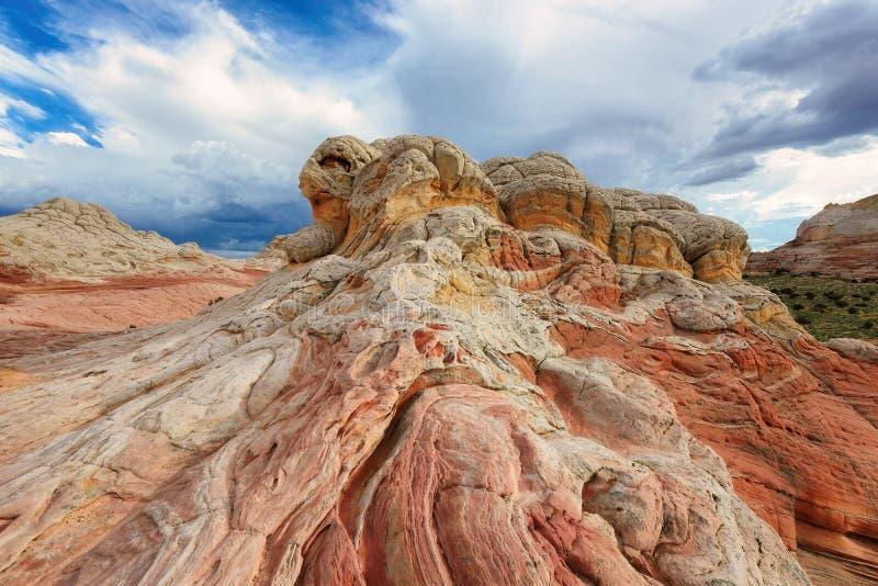 Formación de roca en el bolsillo blanco, meseta de Paria en Arizona septentrional imagen de archivo