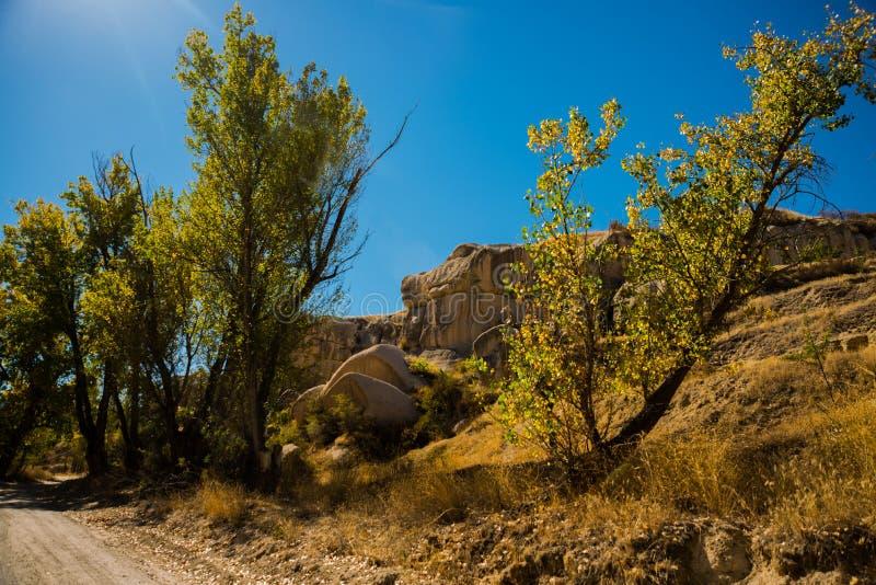 Formación de roca en el extremo del valle de Zemi entre Gereme y Uchisar Región de Goreme, Cappadocia, Anatolia, Turquía foto de archivo libre de regalías
