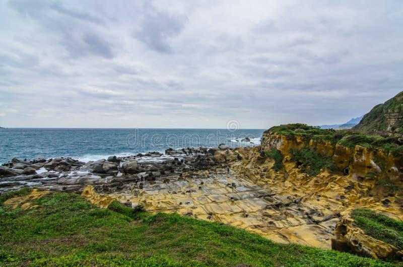 Formación de roca hermosa en la isla de la paz, Keelung, Taiwán imágenes de archivo libres de regalías