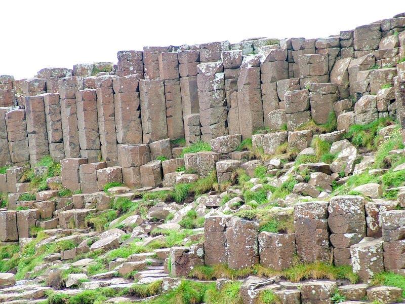 Formación de roca inusual en el terraplén gigante del ` s foto de archivo