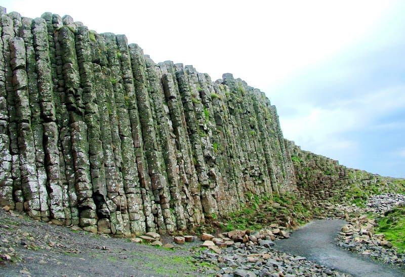 Formación de roca inusual en el terraplén gigante del ` s imagen de archivo