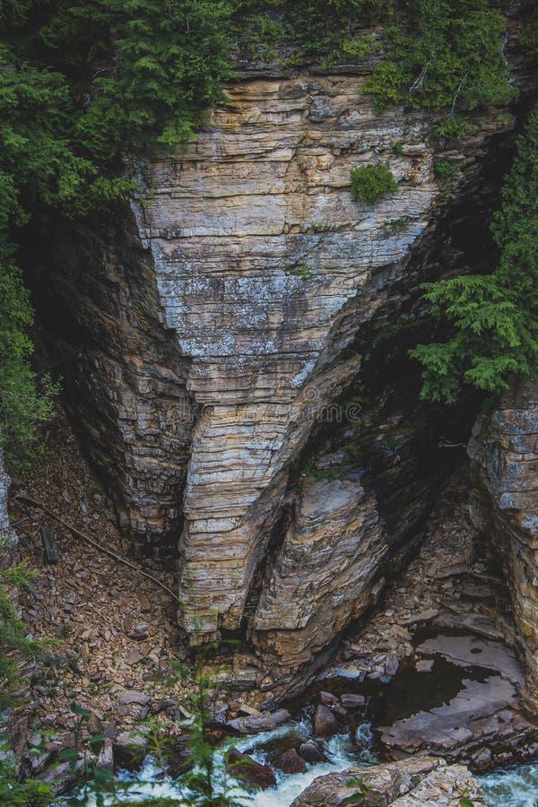 Formación de roca principal del elefante en el abismo de Ausable imagen de archivo