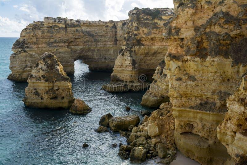 Formación de rocas de Algarve fotografía de archivo
