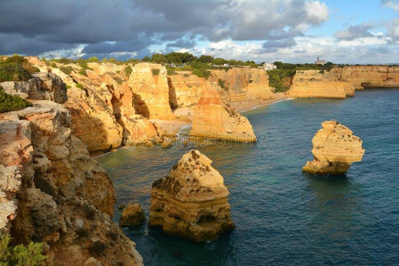 Formación de rocas de Algarve foto de archivo libre de regalías