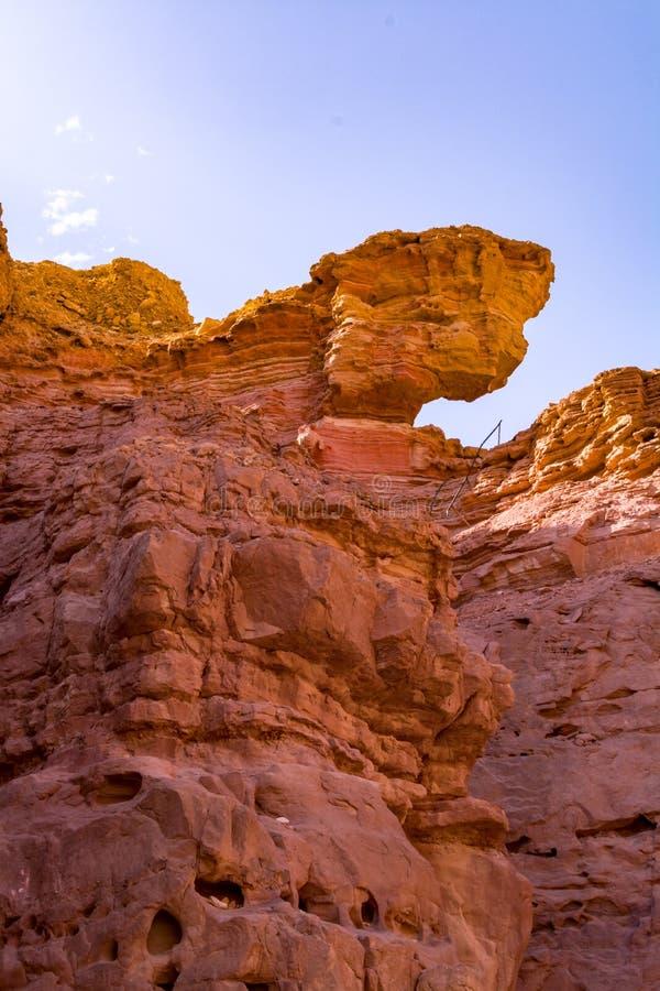 Formación geológica hermosa en el desierto, poder colorida de la piedra arenisca fotos de archivo libres de regalías