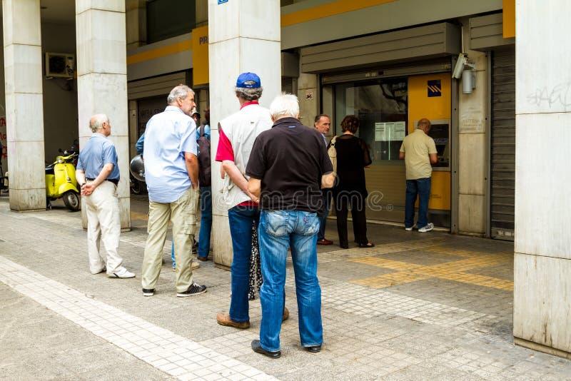 Formación griega de los ciudadanos en una atmósfera imagen de archivo libre de regalías