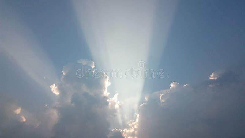 Formación hermosa de la nube después de fuertes lluvias imagen de archivo libre de regalías
