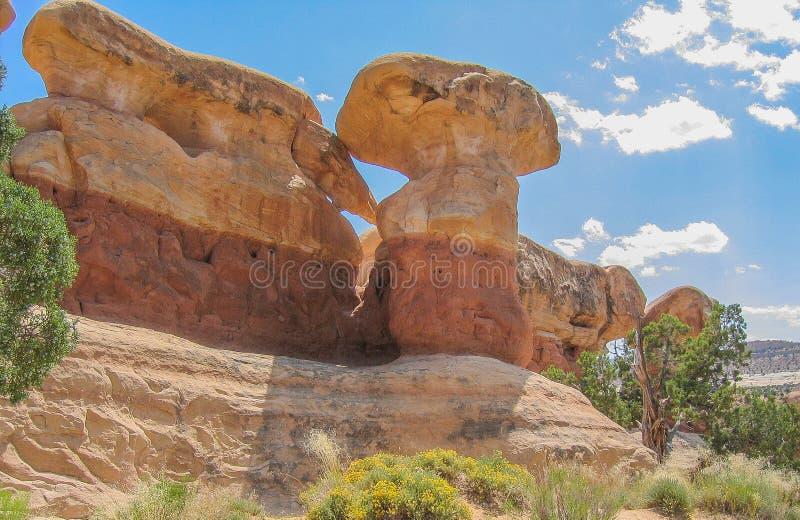 Formaciones de la piedra arenisca del jardín del diablo cerca de Escalante, Utah imagen de archivo libre de regalías