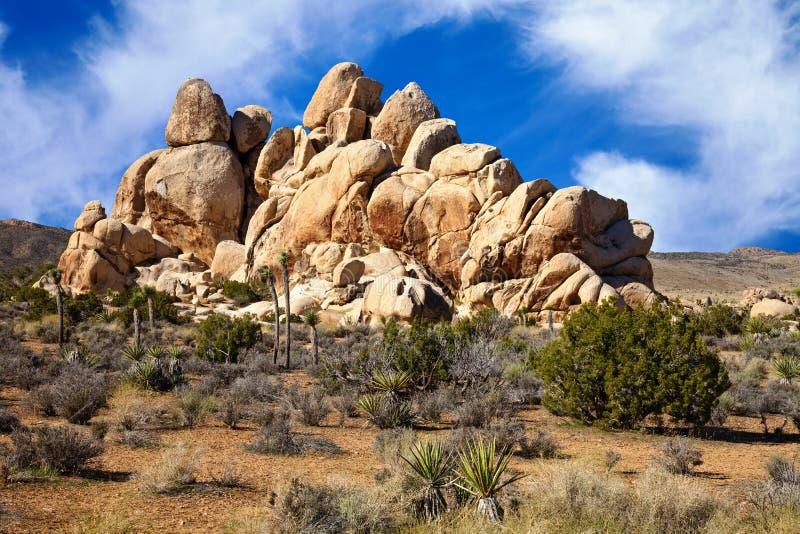 Formaciones de roca del desierto de Mojave imágenes de archivo libres de regalías
