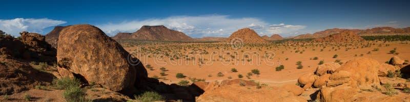 Formaciones de roca hermosas en Damaraland foto de archivo libre de regalías