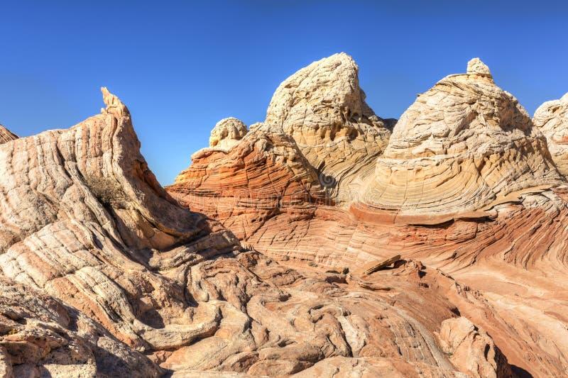 Formaciones de roca imposibles en el bolsillo blanco fotografía de archivo