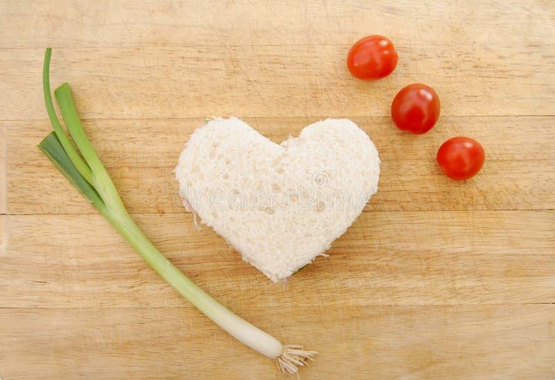formad hjärtasmörgås royaltyfri fotografi