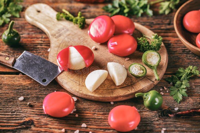 Formaggi gastronomici incerati rosso immagine stock libera da diritti