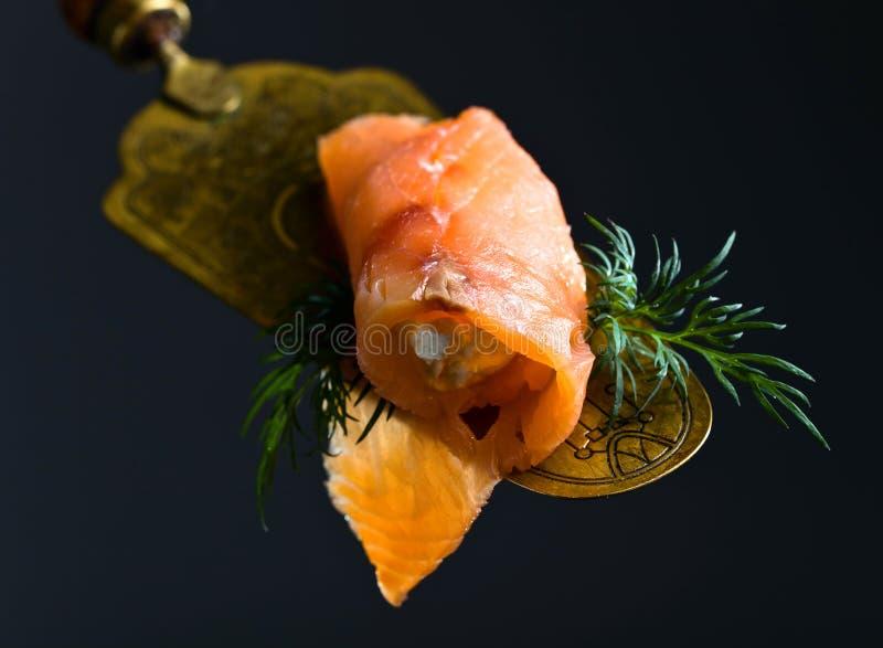 Formaggio cremoso, del salmone affumicato ed aneto immagine stock