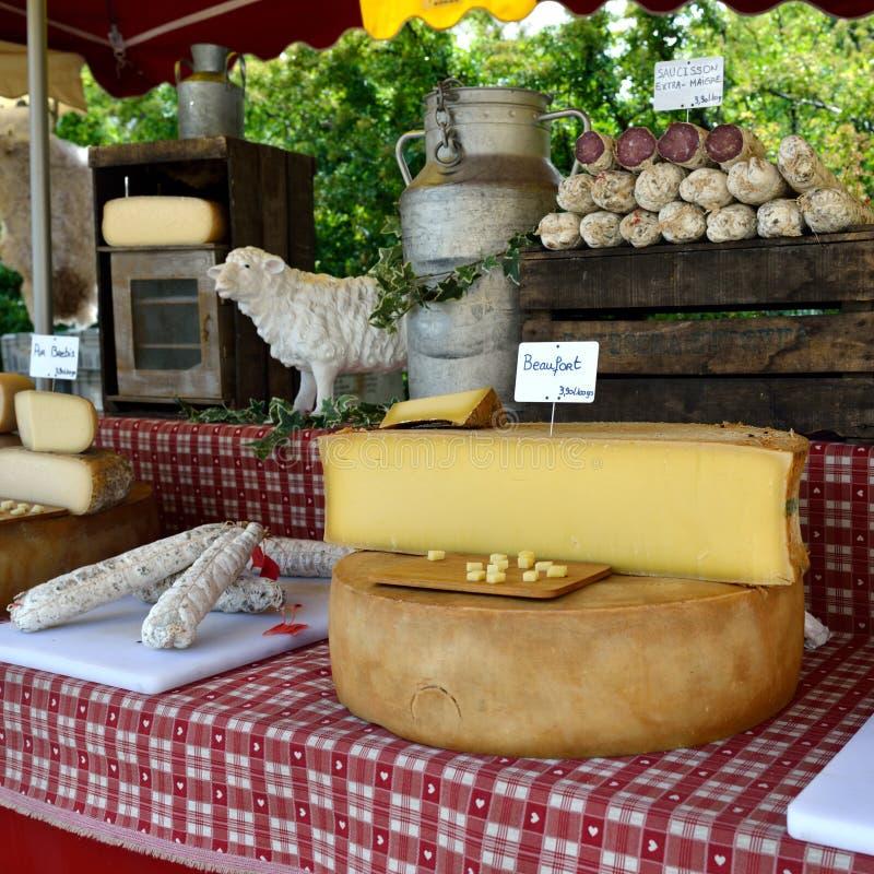 Formaggio e salsiccia francesi fotografia stock