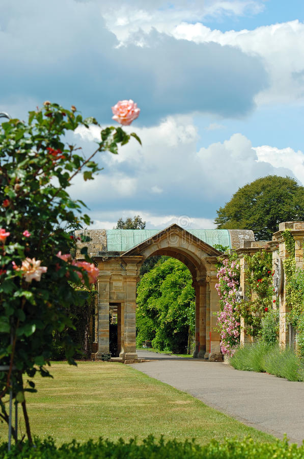 Download Formal Garden Arundel Castle England Stock Image - Image: 20126525