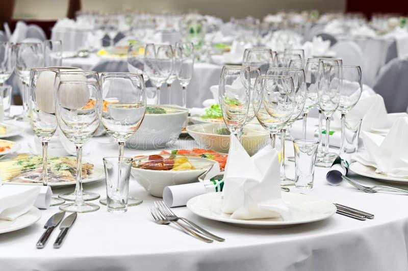 Formaler Abendessenservice wie an einer Hochzeit, Bankett stockfoto
