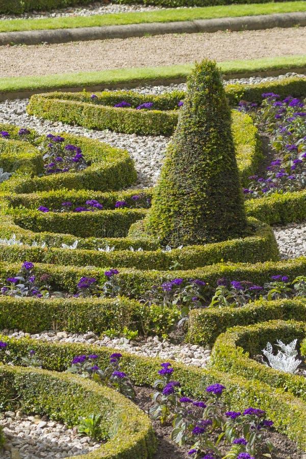 Download Formaler Garten stockbild. Bild von architektur, frühling - 26362893