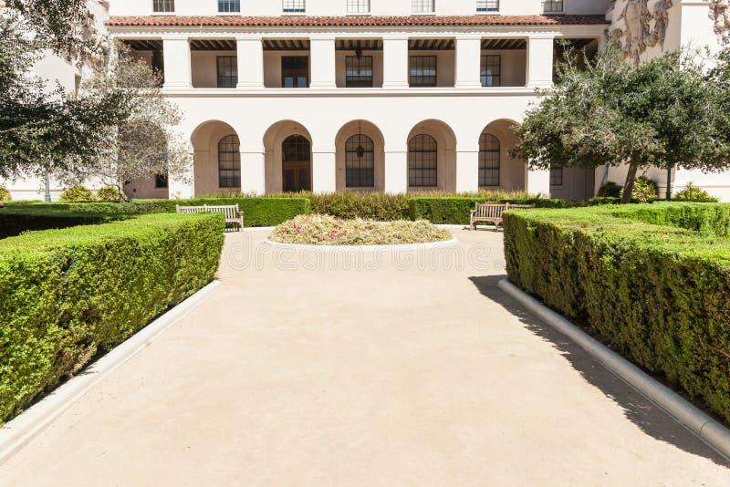 Formalny kształtujący teren ogród zdjęcie royalty free