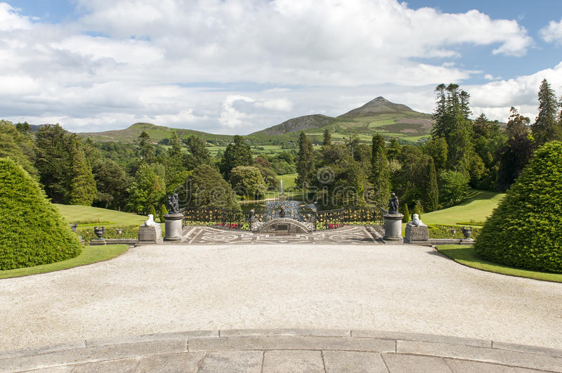 Formalny ogród i taras zdjęcia royalty free