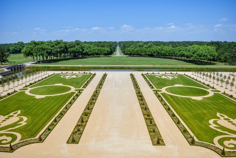 Formalny ogród w słonecznym dniu w Chambord kasztelu, Francja na Lipu 07, 2017 zdjęcie royalty free