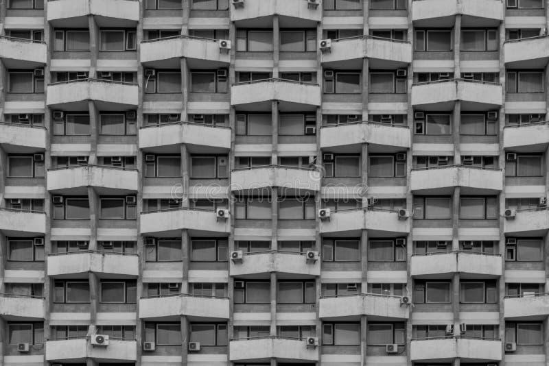 Formas geométricas en un edificio soviético en Chisinau foto de archivo libre de regalías