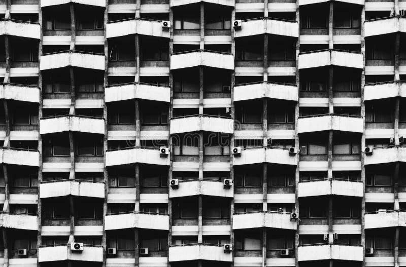 Formas geométricas en un edificio soviético en Chisinau fotos de archivo libres de regalías