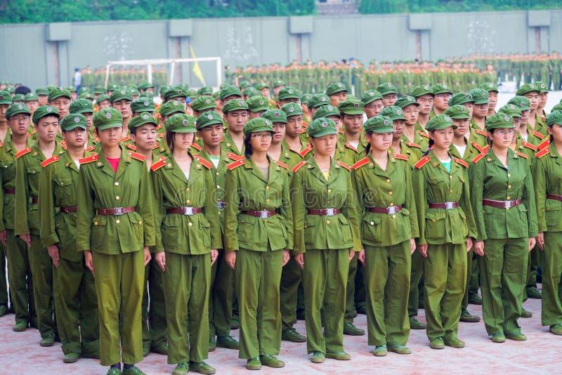 Formation chinoise mixte d'entraînement militaire d'étudiants photographie stock libre de droits