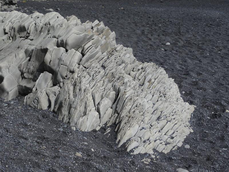 Formation de basalte sur la plage de lave photos libres de droits