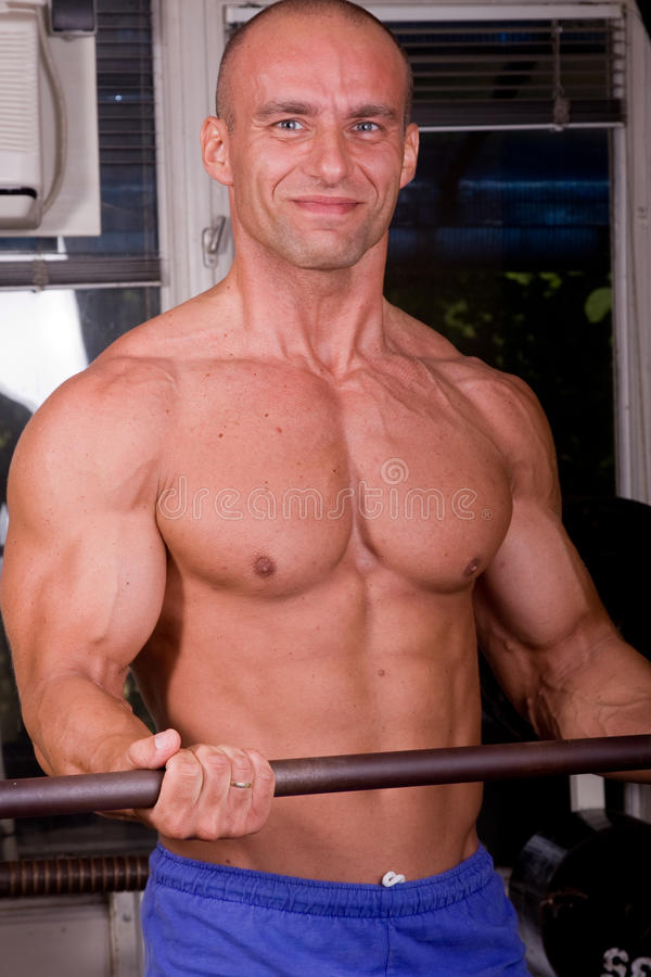 Formation de Bodybuilder photographie stock libre de droits
