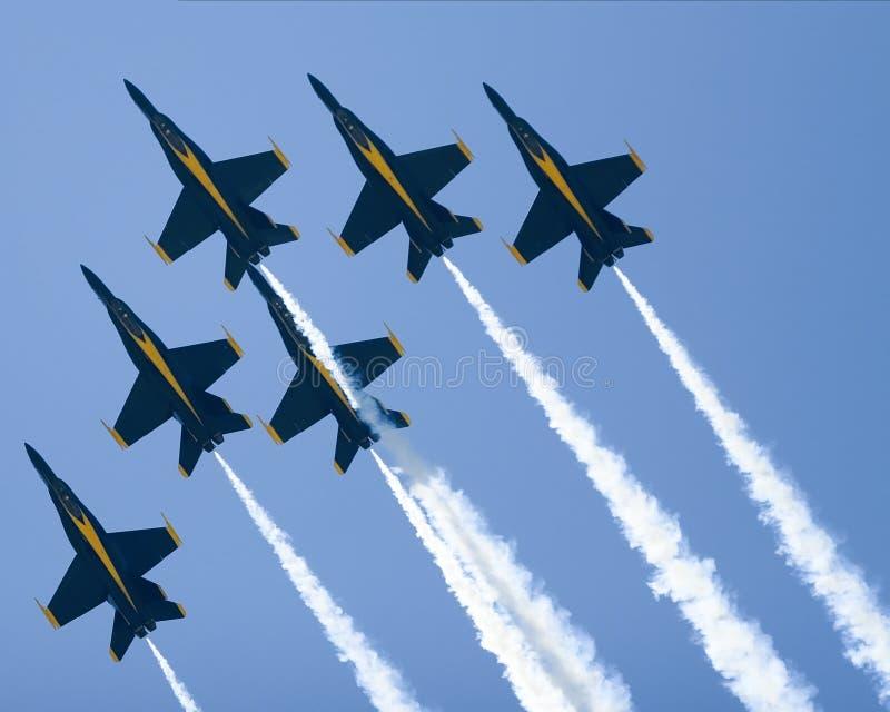 Formation de delta d'anges bleus photographie stock
