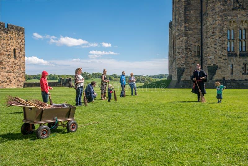 Formation de Harry Potter Broomstick au château d'Alnwick photographie stock