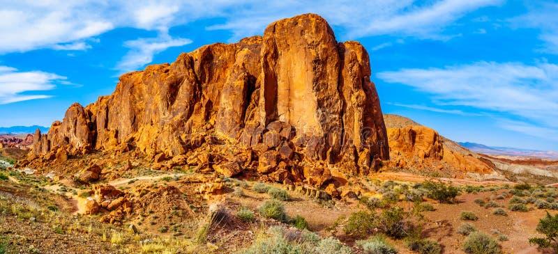 Formation de roche aztèque de grès sur la traînée de vague du feu dans la vallée du parc d'état du feu au Nevada, Etats-Unis photo stock