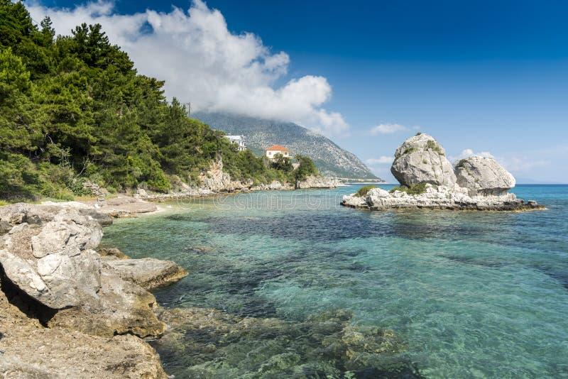 Formation de roche côtière Poros Cephelonia photos stock