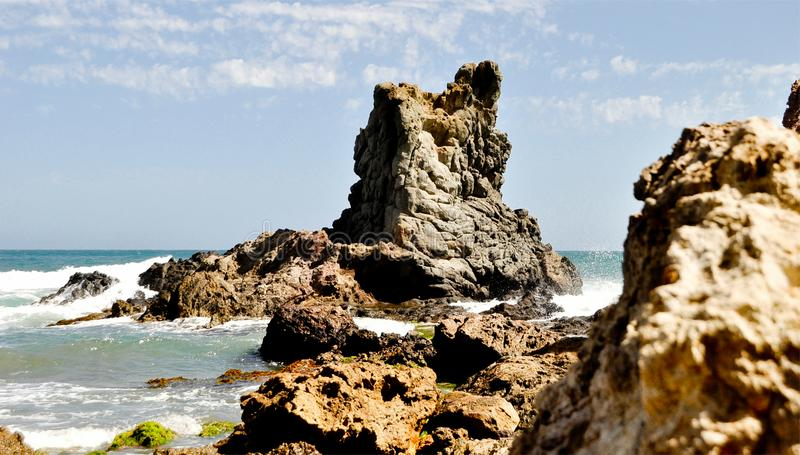 Formation de roche en mer Méditerranée Parc naturel de Cabo DA Gata, Almeria, Andalousie, Espagne image libre de droits