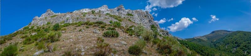 Formation de roche panoramique de la montagne de Palencia images stock