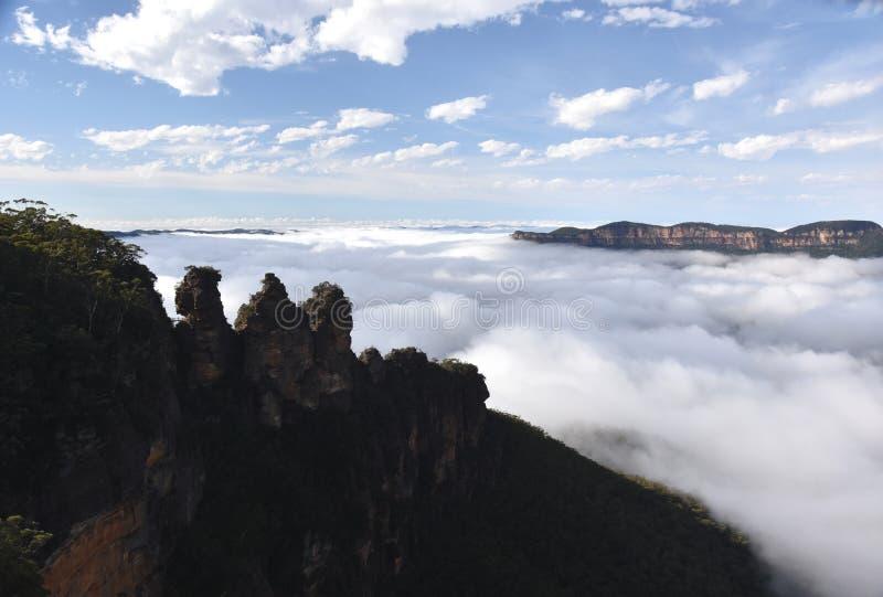 Formation de roche de trois soeurs en parc national de montagnes bleues images libres de droits