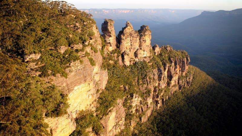 Formation de roches de trois soeurs dans le parc national des Blue Mountains, Nouvelle-Galles du Sud, Australie photo stock