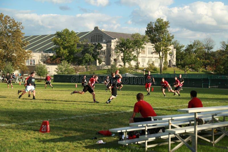 Formation du football de campus photos stock
