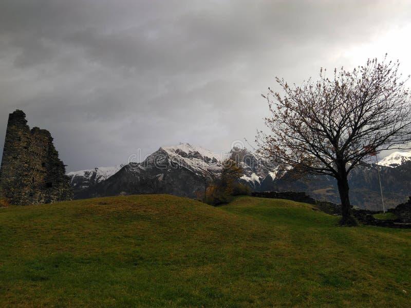 Formation et montagnes de roche images stock