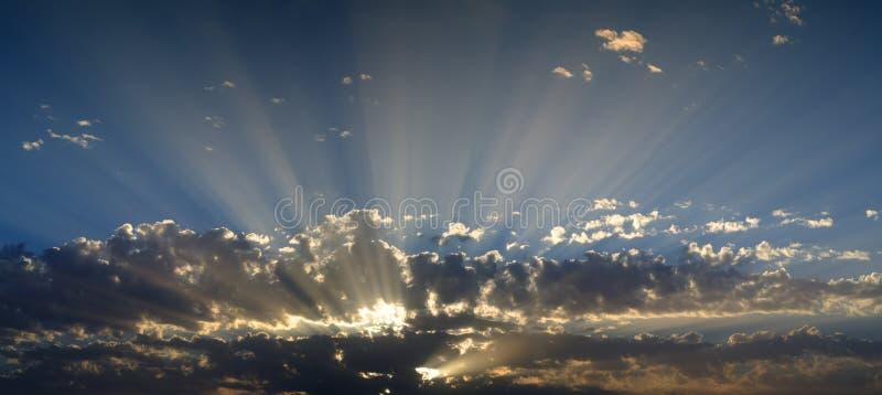 Formation intéressante de nuages photographie stock